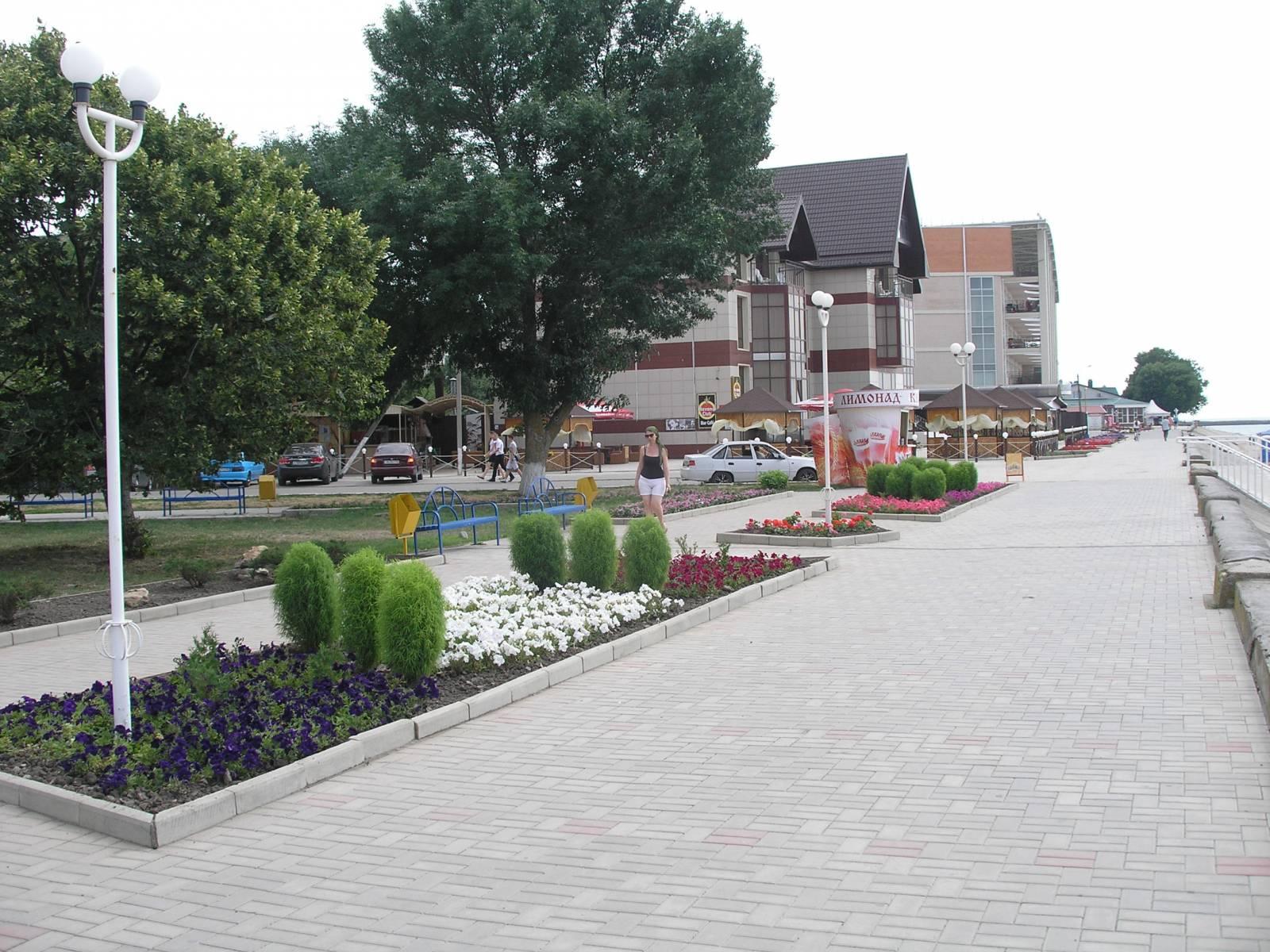 Набережная в районе ул. Ленина
