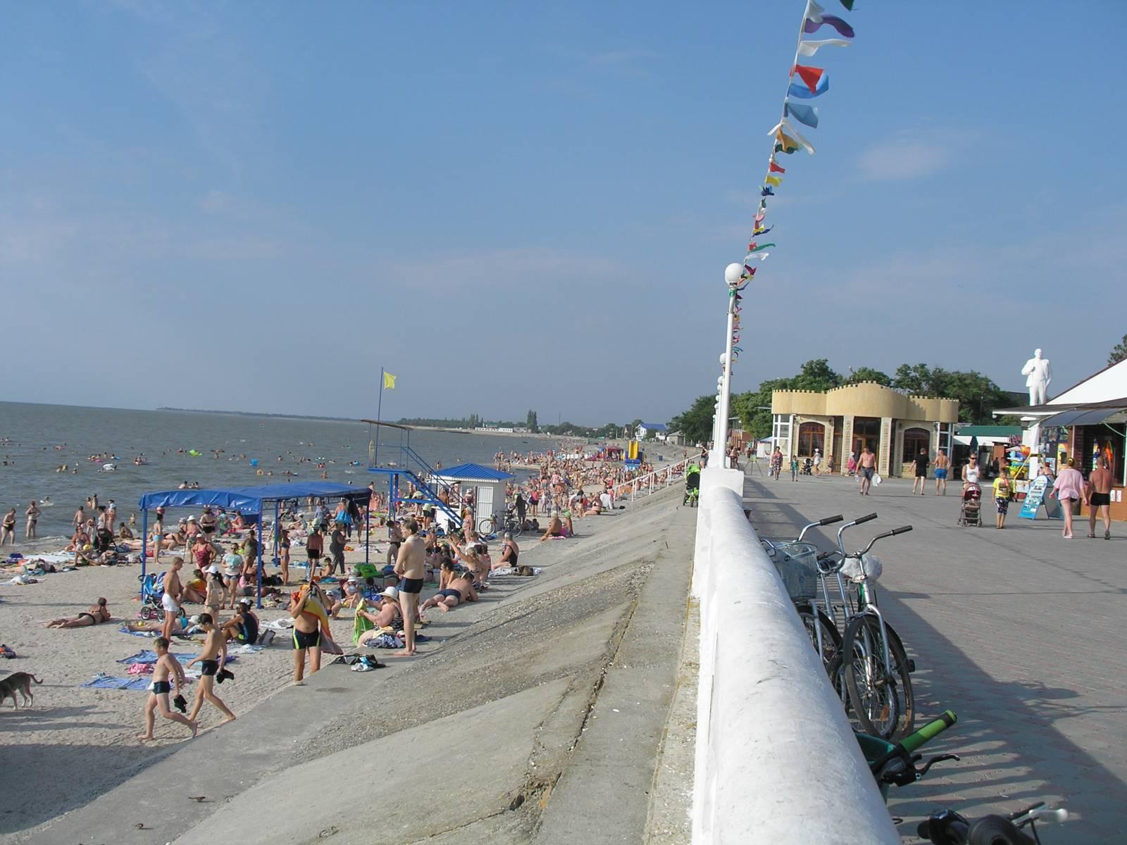Центральный пляж Приморско-Ахтарска