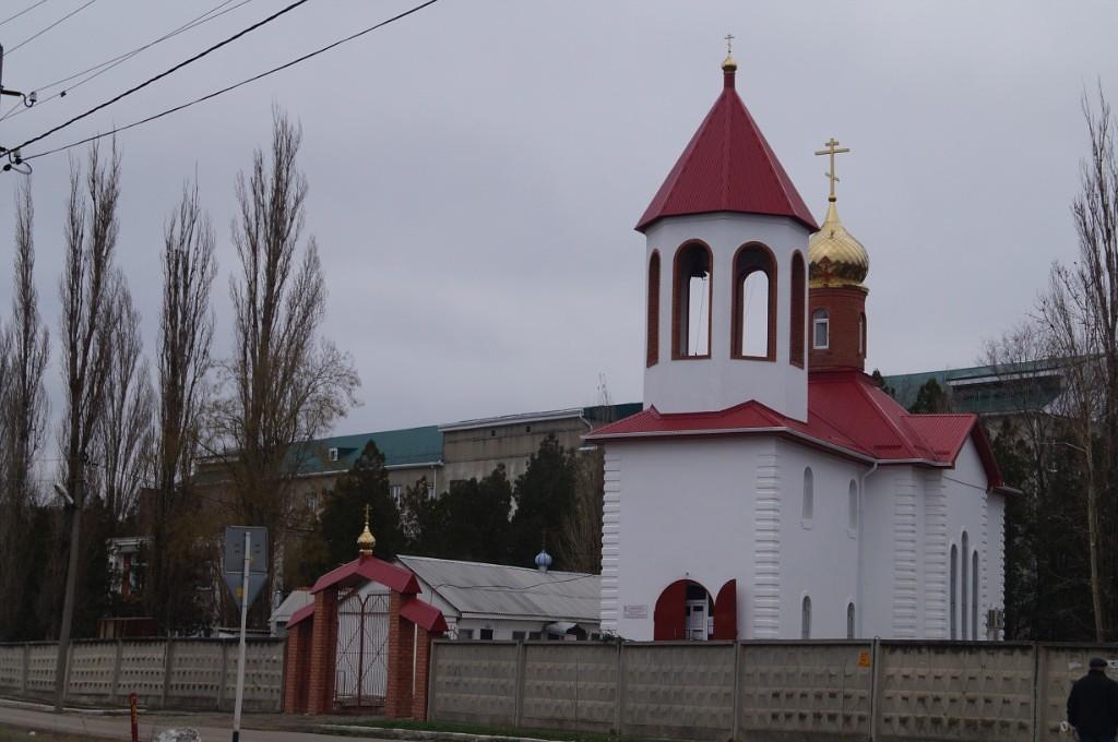 Церковь у поликлиники