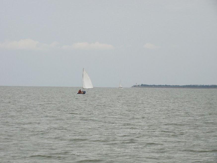 Белеет парус на Азовском море